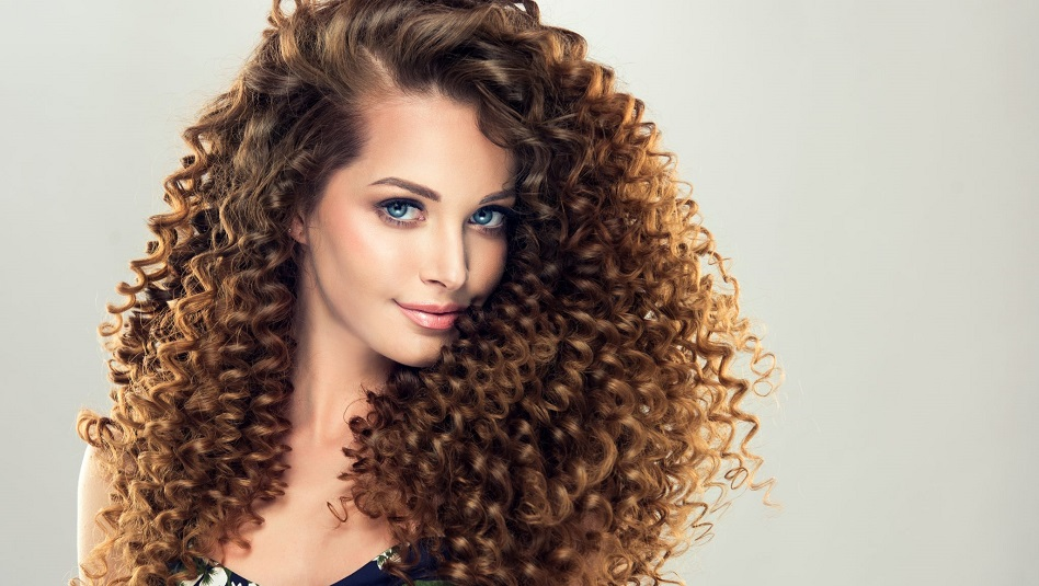 make curly hair look longer